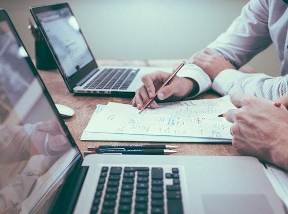 créer ou louer son réseau : quel est le mieux pour son entreprise ?